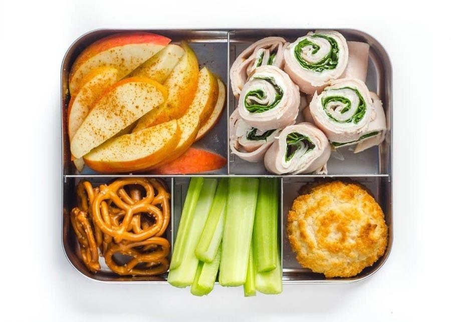 Еда с собой: полезные перекусы для школьников и студентов