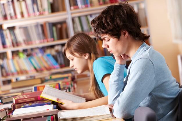 Почему подростку необходимо больше времени проводить за книгами
