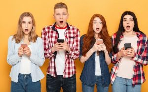 Тревожная пустота: подростки не могут жить без гаджетов