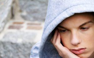 Как помочь тинейджеру пережить непростой возраст?