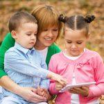 Как правильно воспитывать мальчика и девочку одинокой маме?