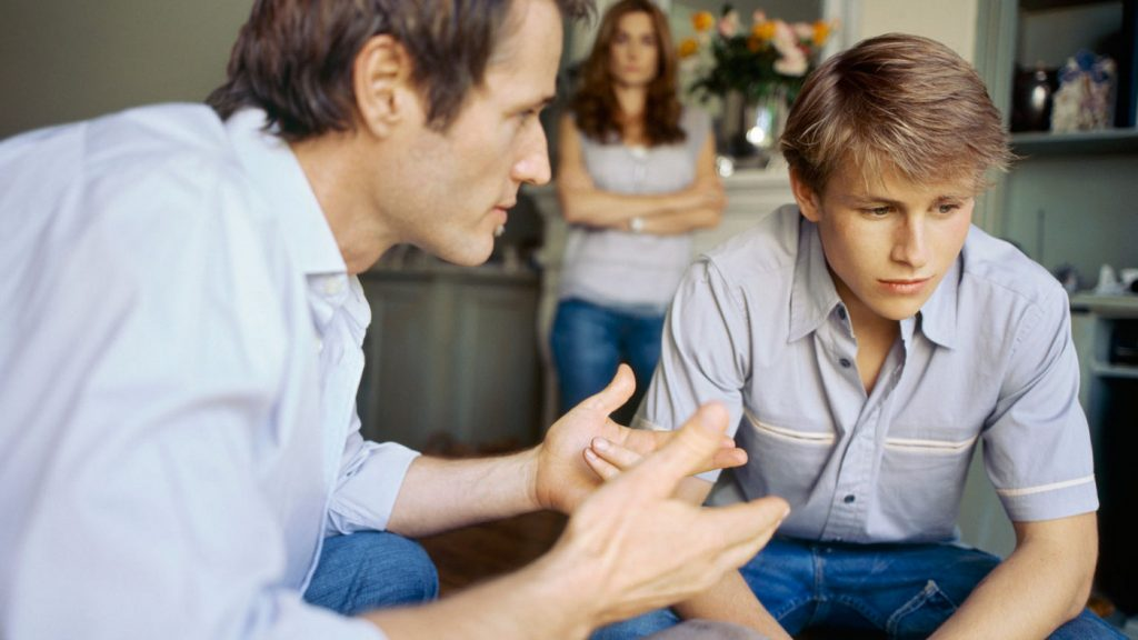 Трудный подросток. Как договориться с ребенком-бунтарем?