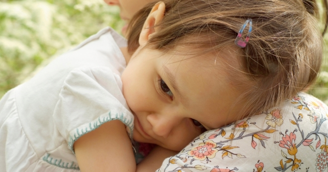 Застенчивый ребенок – как раскрепостить робкого малыша?