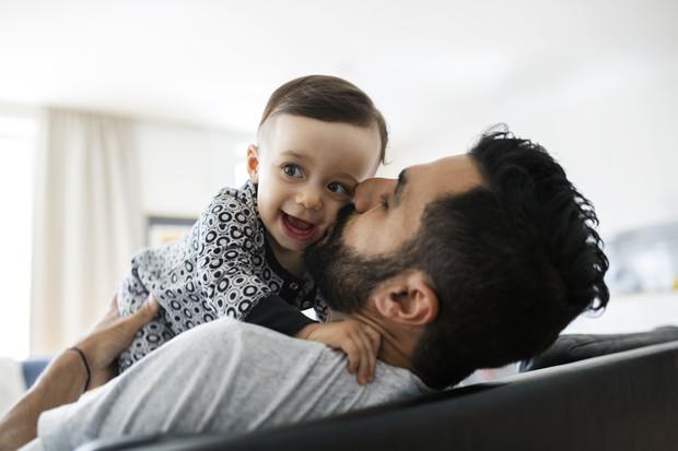 «Мой малыш любит папу больше, чем меня. Что делать?»