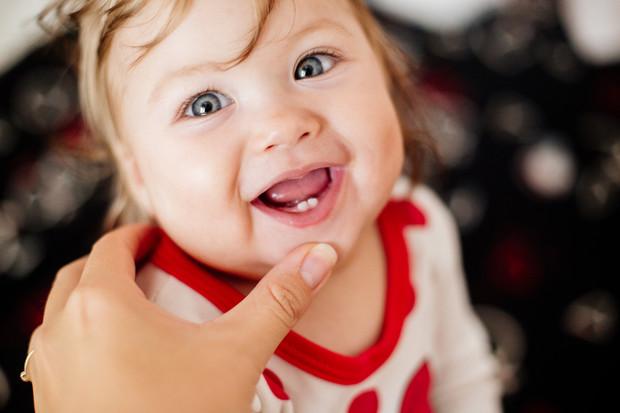 8 причин, почему у ребенка поздно режутся зубки