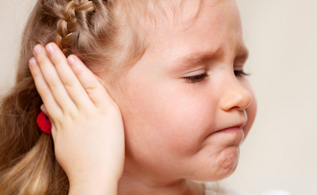 Что делать если заболело ухо у ребенка