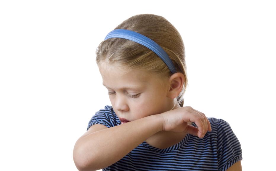 Сильный кашель у ребенка с температурой и без, сухой и влажный