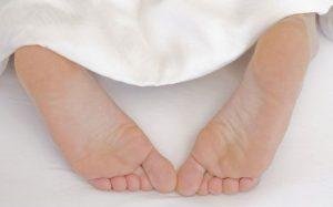 О здоровье: если жжет ноги по ночам