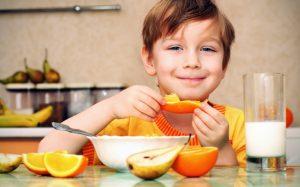 Особенности питания детей: чем кормить подрастающую смену?
