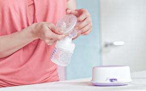 Какой молокоотсос выбрать? Краткое руководство для молодых мам