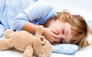 Простуда у ребёнка: как лечить ее правильно