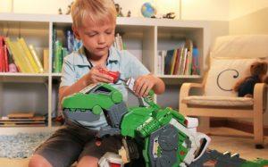 Как выбрать подарок для мальчика?