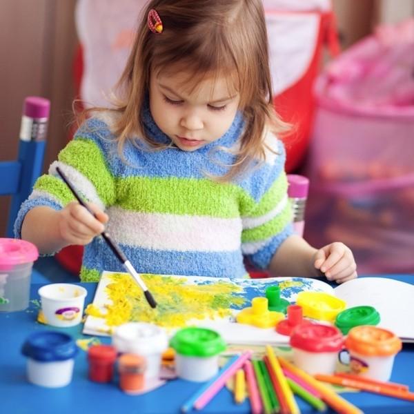Сам себе психолог: что означают цвета в детских рисунках
