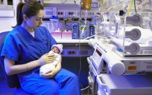 Болезни недоношенных детей: опасности и осложнения «фальстарта»